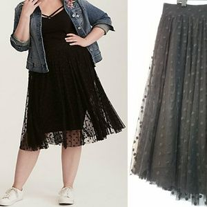 NWOT Torrid Black Dot Tulle Overlay Midi Skirt